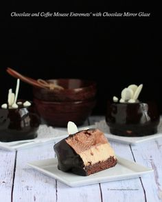 Chocolate and Coffee Mousse Entremets' with Chocolate Mirror Glaze Mirror Glaze Recipe, Mirror Glaze Cake, Chocolate Coffee, Chocolate Cake, Chocolate Mirror Glaze, Coffee Mousse, Layered Desserts, How To Make Chocolate, Cheesecake