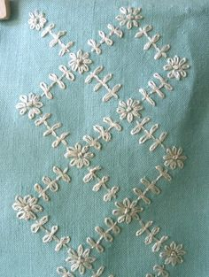 Embroidery stitches sashiko ideas for 2019 Hand Embroidery Dress, Embroidery Neck Designs, Hardanger Embroidery, Hand Embroidery Stitches, Silk Ribbon Embroidery, Embroidery Kits, Embroidery Techniques, Cross Stitch Embroidery, Embroidery Tattoo
