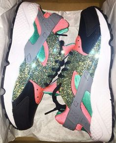 Custom Huaraches Many of us frequently bring guides intended for Sport functions or even often Haraches Shoes, Cute Nike Shoes, Cute Nikes, Me Too Shoes, Latest Ladies Shoes, Shoe City, Nike Air Huarache, Mens Fashion Shoes, Nike Outfits