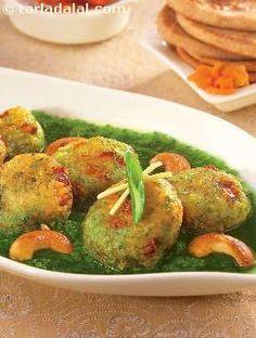 Paneer Koftas In Spinach Sauce recipe   Saatvik Recipes   by Tarla Dalal   Tarladalal.com   #1576