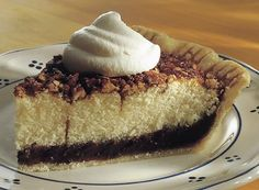 Try this Innkeeper Pie recipe, made with HERSHEY'S products. Enjoyable baking recipes from HERSHEY'S Kitchens. Brownie Desserts, Just Desserts, Delicious Desserts, Pie Dessert, Dessert Recipes, Cake Portions, Caramel, Cake Fillings, Classic Desserts