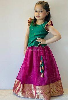 Indian Dresses For Kids, Dresses Kids Girl, Woman Dresses, Indian Gowns, Baby Dresses, Kids Frocks Design, Baby Frocks Designs, Kids Lehenga, Baby Lehenga