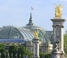 **Exterior de las estructuras de hierro fundido y cristal del Hall Central de París.