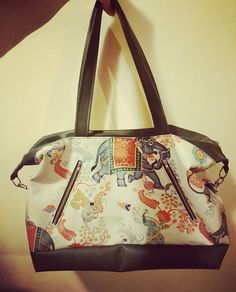 Loraa Sorceline sur Instagram: On continue les créa avec le #sacjava de #sacotin. J'aime beaucoup les grands sacs fourre-tout ou sac de week-end ou on peut mettre plein…