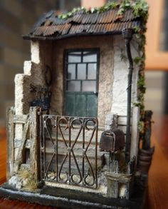 Mi o diorama miniatura 11 de mayo 2008, anchura  3cm, de profundidad  4cm, altura 5.2cm