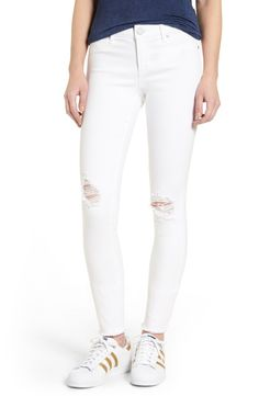 Distressed white denim pants // thelilliebag.com