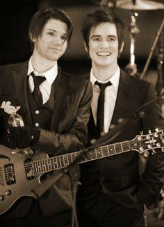 My babies looking sharp in suit&tie.  *dies happily* #ryanross #brendonurie #panicatthedisco