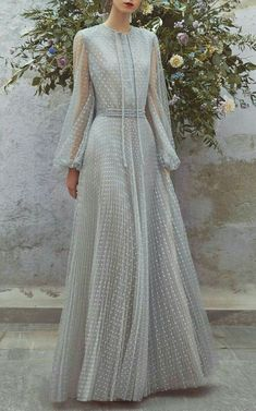 Delicate and elegant evening dresses or perfect maxi ball gown style fashion for. Delicate and elegant evening dresses or perfect maxi ball gown style fashion for a wedding guests outfit or formal function Elegant Wedding Dress, Elegant Dresses, Pretty Dresses, Beautiful Dresses, Modest Wedding, Wedding Guest Outfit Formal, Formal Wedding, Luisa Beccaria, Evening Dresses