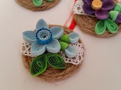 Quilling by Bianca: Martisoare Quilling Rakhi, Quilling Craft, Quilling Designs, Quilling Ideas, Diy And Crafts, Arts And Crafts, Paper Crafts, Handmade Pearl Jewelry, Paper Quilling For Beginners