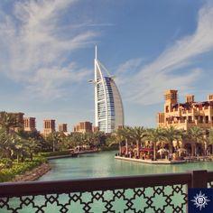 Bewonder het wereldberoemde zeven-sterren hotel, Burj Al Arab, een van de vele schoonheden van Dubai. #MSCMusica