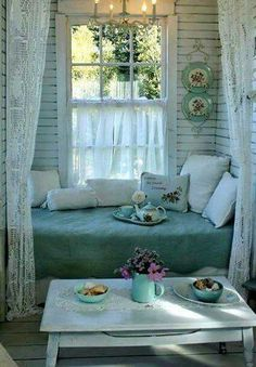 Cozy nook to read a book. cozy nook to read a book 29 romantic shabby chic living room ideas Shabby Chic Living Room, Shabby Chic Cottage, Shabby Chic Homes, Shabby Chic Style, Shabby Chic Porch, Shabby Bedroom, Bedroom Decor, Bedroom Vintage, Cottage Style