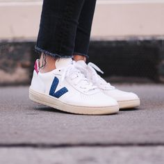 Put a glitter touch to your kicks with our White Glitter Walk In My Shoes, Me Too Shoes, Men's Shoes, Veja V 10, Minimal Shoes, Veja Sneakers, White Glitter, Kicks, High Heels