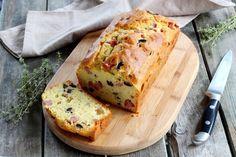 Come preparare un favoloso plumcake salato con prosciutto ed olive
