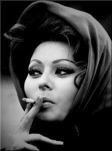 "summers-in-hollywood: ""Sophia Loren, London, Photograph by Tazio Secchiaroli "" Sophia Loren, Sophia Sophia, Hollywood Glamour, Classic Hollywood, In Hollywood, People Smoking, Women Smoking, Smoking Girls, Rita Hayworth"
