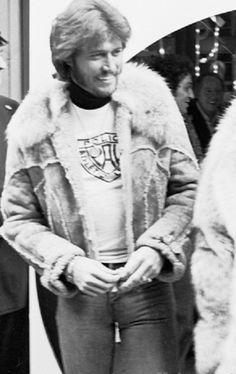 Barry Gibb in NYC 1976, My second favorite Barry.