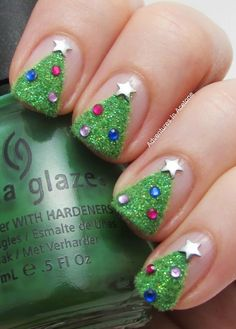 Little Girl Nail Design Ideas this summer a little bit of glamor cant do any harm so dare to go bolder and add a bit of bling to your pedi by going all glitter with your nails 6 Christmas Nail Art Ideas