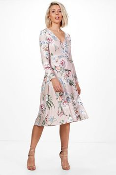 Boohoo - Charlie Floral Long Sleeve Wrap Midi Dress --- was 26€ --- Bought for 22.50€