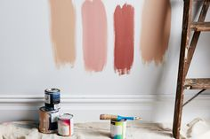 A guide to the best paint colors for small rooms to make rooms look bigger with paint colors, according to interior designers and experts on homes. Room Paint Colors, Interior Paint Colors, Wall Colors, Colours, Studio Mcgee, Light Painting, Painting Tips, Dark Trim, Favorite Paint Colors