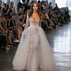 #berta#weddingdress#hairstyle#makeup#beuty#model#fashion#bride#photography#wedding#dress#luxury #لباس_عروس#لباس#عروس#مدل_مو#زيبايى#آرايش#مد#مدل#نمونه#دخترانه#لاکچری#فشن#عكاسى#پیراهن#دخترزیبا