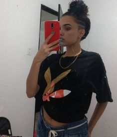 Shaved Side Hairstyles, Tomboy Hairstyles, Undercut Hairstyles, Half Shaved Hair, Long Hair Shaved Sides, Undercut Long Hair, Curly Hair Styles, Natural Hair Styles, Shaved Hair Designs