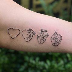 Ameeei muito 🌹 tem mais tatuagens no storie 📲 . Line Art Tattoos, Mini Tattoos, Body Art Tattoos, Small Tattoos, Tattoos For Guys, Tattoos For Women, Tatoos, Sexy Tattoos, Black Tattoos