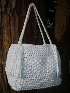 inserzione di Etsy su https://www.etsy.com/it/listing/161215169/white-crocheted-bag-t-shirt-yarn