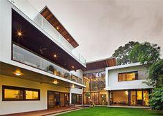 Bhuwalka House // Khosla Associates