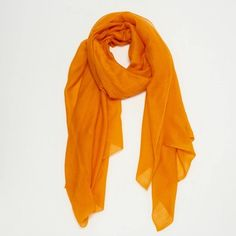 Cashmere scarf HERMÈS (1.180 BRL) ❤ liked on Polyvore featuring accessories, scarves, orange scarves, hermès, cashmere scarves, hermes scarves and cashmere shawls