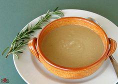 SOSCuisine: #Soupe aux #haricots blancs et #romarin Soupe toscane d'une grande simplicité, mettant le romarin frais en vedette.