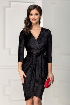 Rochie Artemis neagra din catifea plisata petrecuta Artemis, Blouse Styles, Blouses For Women, Wrap Dress, Autumn Fashion, Skin Care, Formal Dresses, Bride Dressing Gown, Engagement