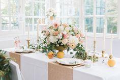 Wem eine komplette Tischdecke mit Pailletten zu viel ist, der wird mit diesen hübschen Tischläufern sicher glücklich! Der Tischläufer ist sehr hochwertig gearbeitet. Die Pailletten wurden einzeln auf ein Meshgewebe aufgenäht und bleiben, wo sie hingehören. Mit einer Länge von 1,82m kann er längs oder quer über runde und eckige Tische gelegt werden. Vier Farben stehen zur Verfügung: Gold, …