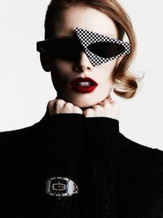 Playtime Vogue Paris April 2017 www.vogue.fr Photography: Ben Hassett Model: Julia Hafstrom Styling: Célia Azoulay & Brune de Margerie Hair: Christian Eberhard Make-Up: Violette Manicure: Bren…