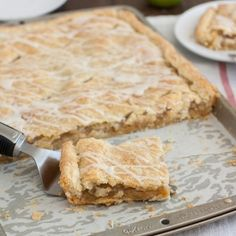 Frosted Apple Slab Pie: feeds a crowd and can easily be made ahead of time, perfect for Thanksgiving!