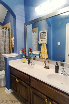 Kids' Bathroom Mirror Makeover via MakelyHome.com