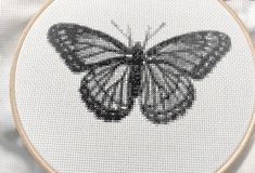 Time lapse of the butterfly cross stitch Limenitis arthemis butterflies are really great in their beauty. You can now collect them without d Cross Stitch Thread, Cross Stitch Fabric, Cross Stitching, Cross Stitch Designs, Cross Stitch Patterns, Embroidery Patterns, Hand Embroidery, Butterfly Cross Stitch, Vintage Inspired