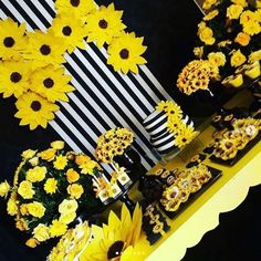 Sunflower Birthday Parties, Bohemian Birthday Party, Sunflower Party, Sunflower Baby Showers, Baby Shower Flowers, Bridal Shower Decorations, Birthday Party Decorations, Sunshine Baby Showers, Sunflowers And Daisies