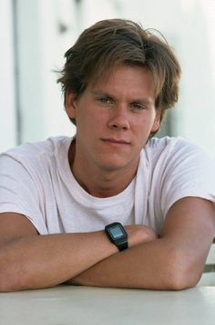 Kevin Bacon, Celebrity Look, Celebrity Pictures, Bacon Pictures, Hugh Jackman, Height And Weight, Brad Pitt, Biceps, Comedians
