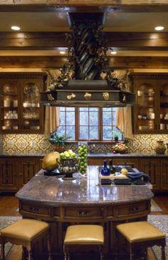 Mediterranean kitchen by Hayslip Design Associates