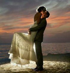 Night lighted kiss