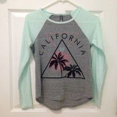 ec483906eae TILLY'S California T-Shirt (Girl's Large) TILLY'S FULL TILT Girl's large long  sleeve t shirt. I wore it rarely. I'm open to trading!
