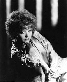 Bow109 - Clara Bow - Silent Movie Star - More at http://cine-mania.it