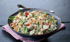 Kylling- og pastasalat med krema pestodressing - LINDASTUHAUG Pesto, Potato Salad, Potatoes, Ethnic Recipes, Food, Red Peppers, Potato, Essen, Meals