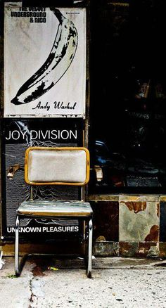 still life with Joy Division  Source: goldagainstthesurferrosa - http://goldagainstthesurferrosa.tumblr.com/post/48770565280
