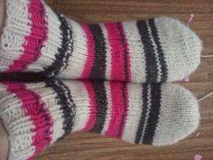 Sukkapuikot nutturassa: Ensimmäiset sukat