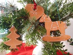 Kreativwerkstatt-Tattendorf Christmas Ornaments, Holiday Decor, Home Decor, Work Shop Garage, Hand Crafts, Creative, Breien, Decoration Home, Room Decor