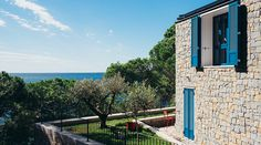 The Hollmann Residenza not far from the Miramare Castle in Trieste is perfect for people who want to spend their holidays off the beaten path. Am Meer, Trieste, Wonderful Places, Be Perfect, Paths, Coast, Italy, Mansions, House Styles