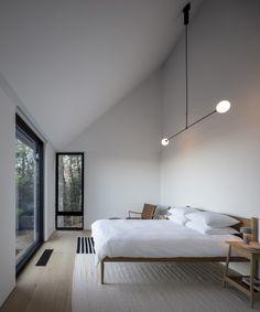 Interior Minimalista, Home Design, Interior Design, Interior Photo, Interior Paint, Interior Lighting, Interior Ideas, Light Hardwood Floors, Three Bedroom House