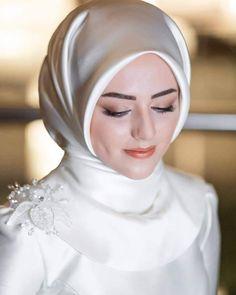 dresses for muslim wedding guest Hijabi Wedding, Wedding Hijab Styles, Muslimah Wedding Dress, Muslim Wedding Dresses, Muslim Brides, Dress Wedding, Hijab Gown, Hijab Evening Dress, Bridal Hijab