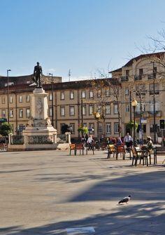Praça da Batalha no Porto www.webook.pt #webookporto #porto #ruasdoporto