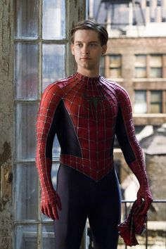 Peter parker has a way!!!!!!!!! Better costume than the amazing Spiderman